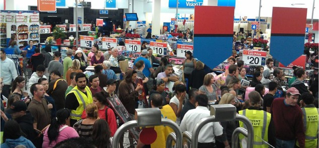 walmart-black-friday-2012-tvs-5-am-2