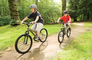 kids_on_diamondback_bicycles