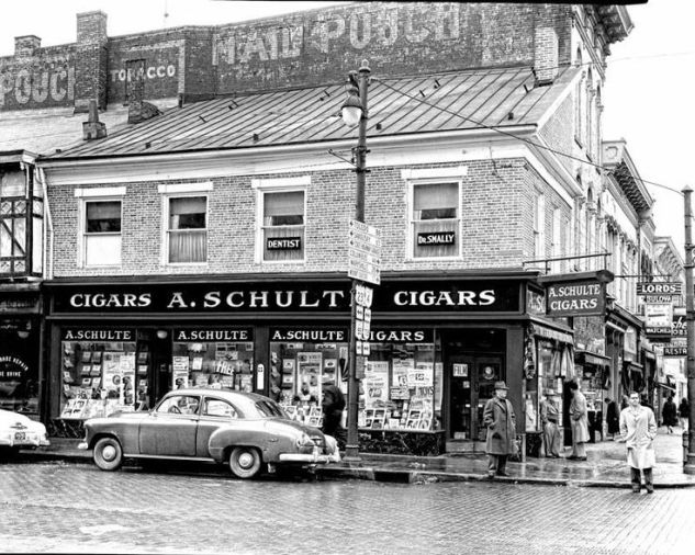 cigar store.jpg